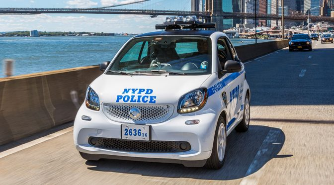 Smart Forcops: NYPD Police Officers Patrol In Smart Fortwos