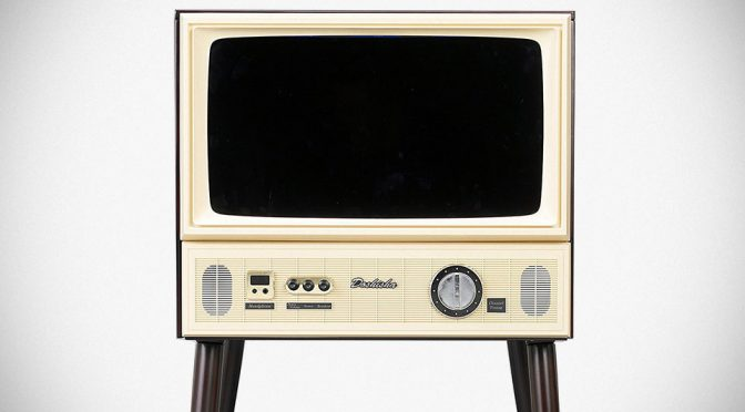 Flat Screen Goes Retro-licious With Vintage-style 20-inch Japanese LCD TV
