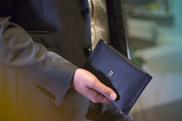 DUN DUO Luxury Leather Travel Wallet