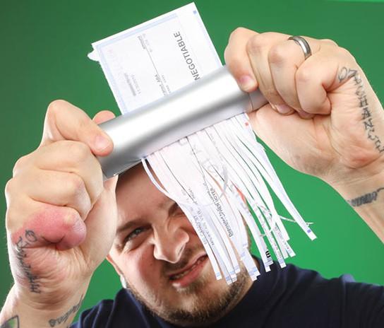 Hand Paper Shredder enactment 544px
