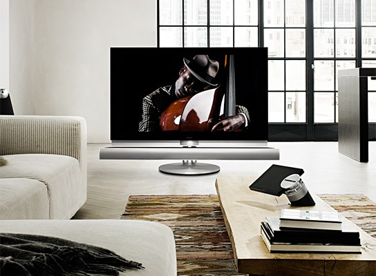 Bang & Olufsen BeoVision 7 with integrated 3D BluRay player 544x400px