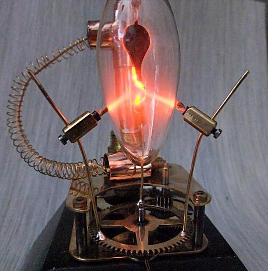 Steampunk Plasma Stream bulb 544x550px
