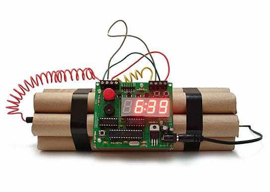 Defusable Clock 544x388px