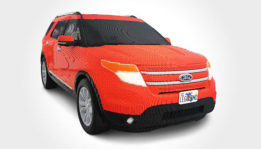 LEGO Ford Explorer 900x515px