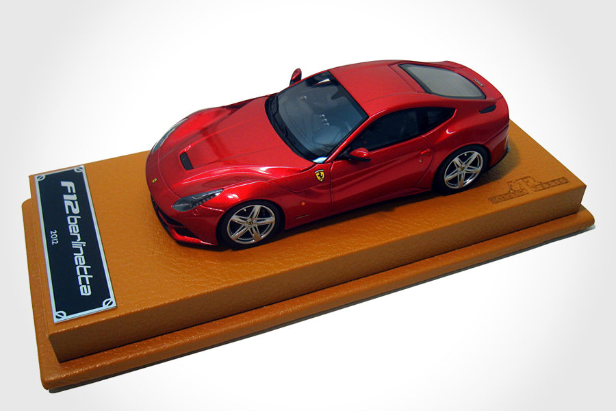 Ferrari F12berlinetta 1:43 scale model