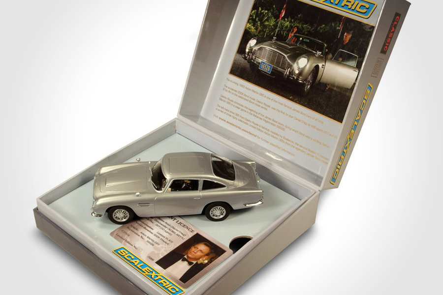 Scalextric James Bond 007 Cars
