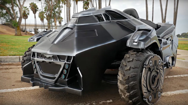 Arkham-Knight-Batmobile-Super-Gamer-Builds-image-1