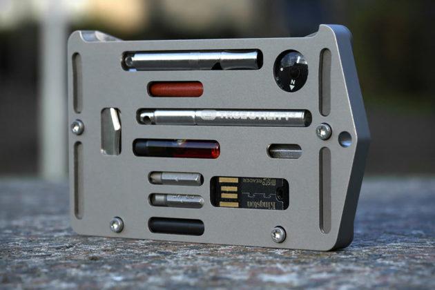 Jackfish Survival Credit Card Holder