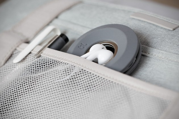 Cableyoyo Earbud/Cable Management by Bluelounge