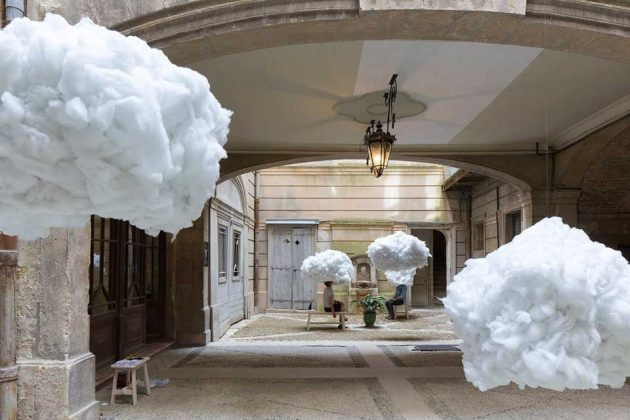 Heads in the Clouds by Michaël Martins Afonso and Caroline Escaffre-Faure