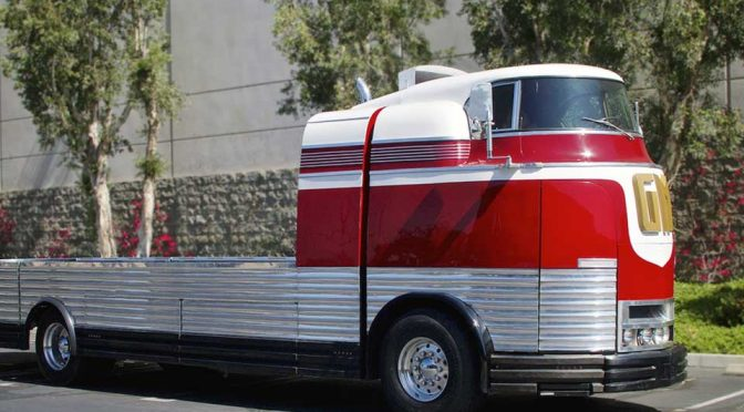 This 75 Year-Old Futurliner Still Look Fantastically Futuristic Today!