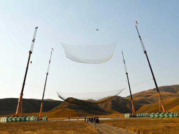 Luke Aikins 25,000 Feet Jump Without Parachute