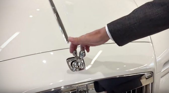 Rolls-Royce Retracting Spirit of Ecstasy Hood Ornament