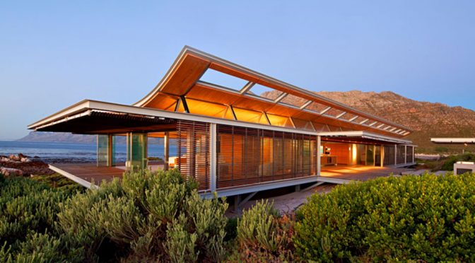 Rooi-Els Beach House by elphick proome architects