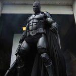 This <em>Batman: Arkham Origins</em>-inspired Cosplay Suit Has 23 Working Gadgets