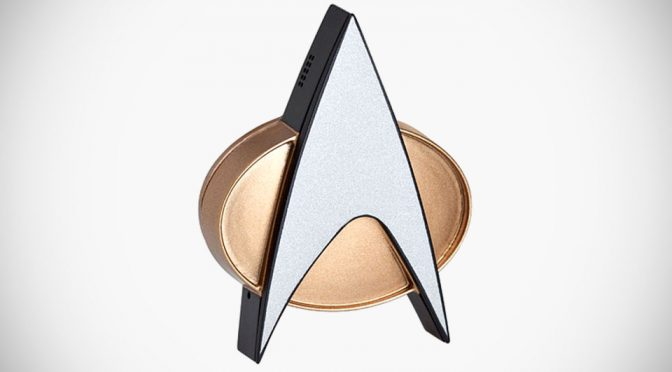 This <em>Star Trek</em> TNG ComBadge Lets You Tap To Answer/End Calls (And More)