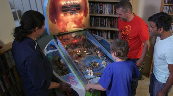 Custom <em>Angry Birds</em> Pinball Machine Will Make Even Non-fan Envious