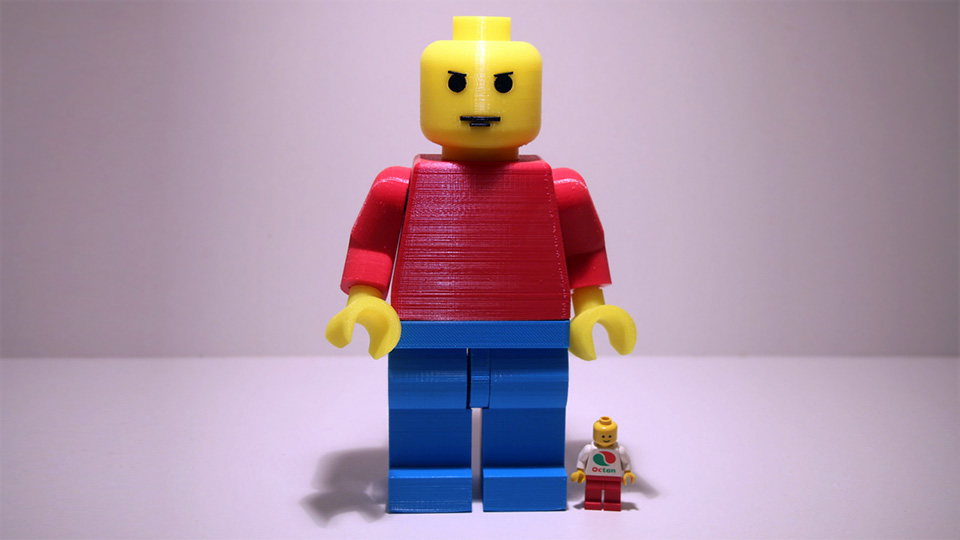 LEGO Minifig Got Hit By Growth Ray, Turned Into 7-inch Jumbo-size ...