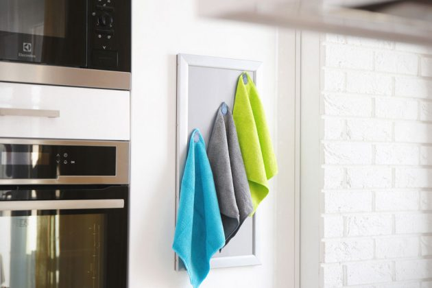 MagnetTab Magnetic Coats and Garments Organizer/Hanger
