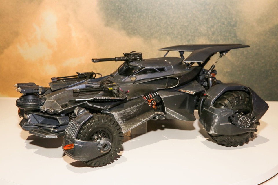 Justice league rc batmobile spews real exhaust offers fpv - Badmobel real ...