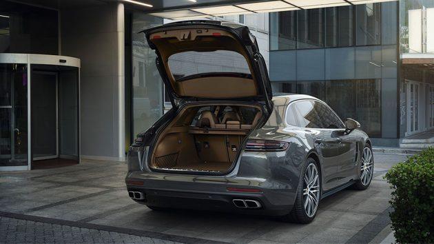 2017 Porsche Panamera Sport Turismo Luxury Sports Sedan