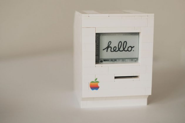 Functional LEGO Macintosh Classic by Jannis Hermanns