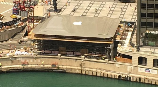 Giant MacBook Roof on Apple Store in Chicago