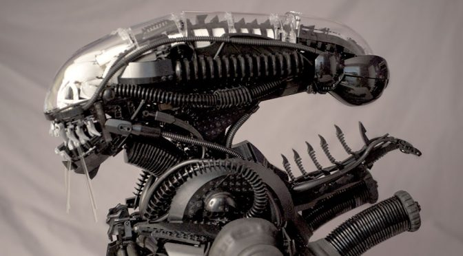 This Super Detailed LEGO <em>Alien</em> Xenomorph Bust Will Blow Your Mind!