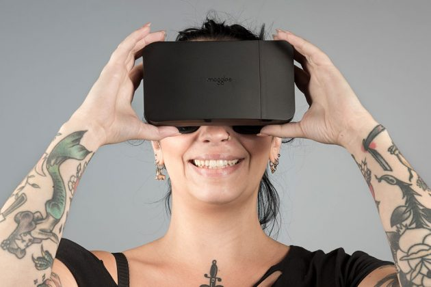 Moggles Collapsible VR Headset by Mobile VR Sweden