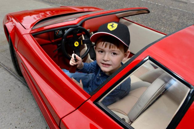 Ferrari Testarossa Spider Kiddie Ride by Riddelsdell Bros Limited