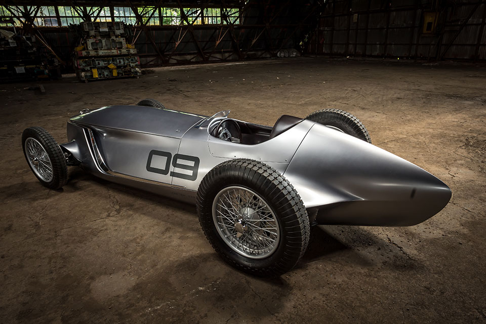 Infiniti Retro Prototype 9 Unveiled at 2017 Pebble Beach Concours d'Elegance