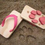 Animal Print Sandals Lets Kids Make Animal Footprints On Soft Grounds