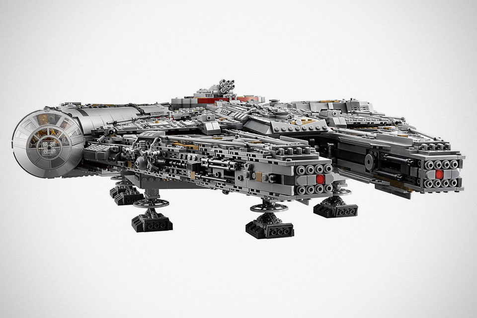 this is the new lego ucs millennium falcon the biggest. Black Bedroom Furniture Sets. Home Design Ideas