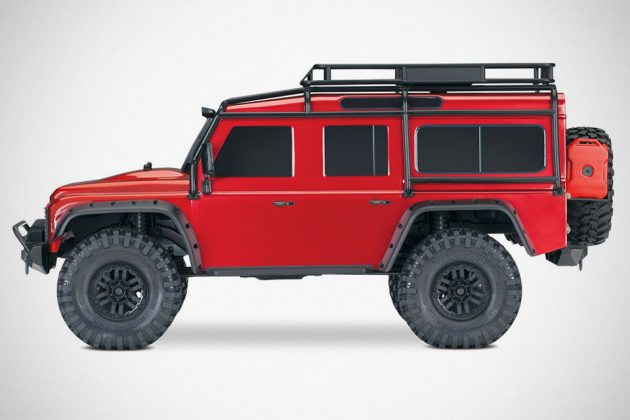 TRAXXAS 1/10 Scale TRX-4 R/C Land Rover Defender