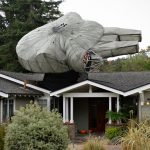 DIY 29-foot Millennium Falcon Roof Decoration Is The Best Way To Welcome <em>Star Wars:The Last Jedi</em>