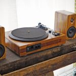 TT8 Wooden Turntable Spins Vinyl And Lets You Enjoy Wireless Audio Too