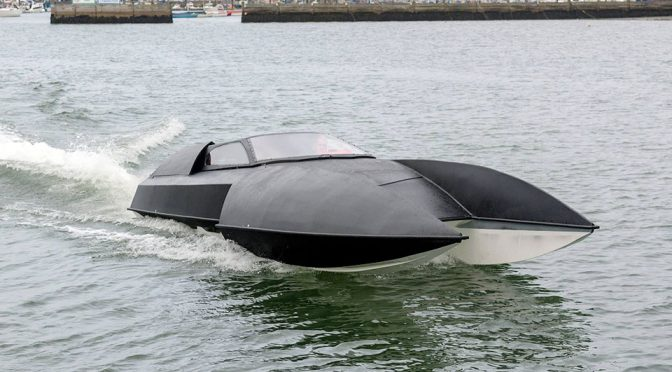 Alpha Centauri Luxury High-performance Hydroplane