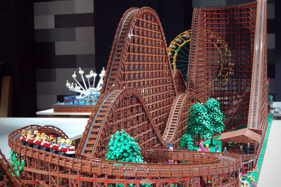 "Custom LEGO ""Wooden"" Roller Coaster by Chairudo"