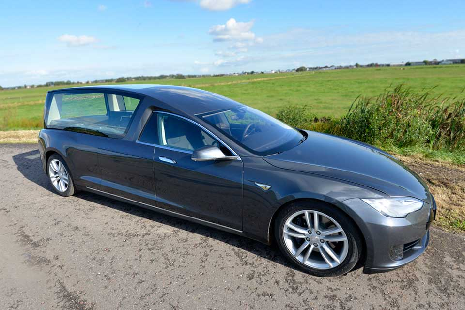What Kind Of Car Is A Tesla Model S