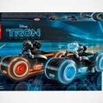 LEGO Ideas <em>TRON Legacy</em> Set Has Not One But Two Light Cycles