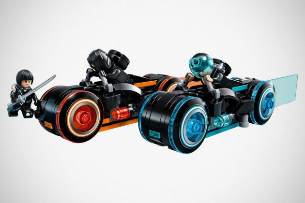 LEGO TRON Legacy Light Cycle Set Official