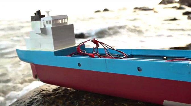 Saltwater Powered RC Boat by Peter Sripol
