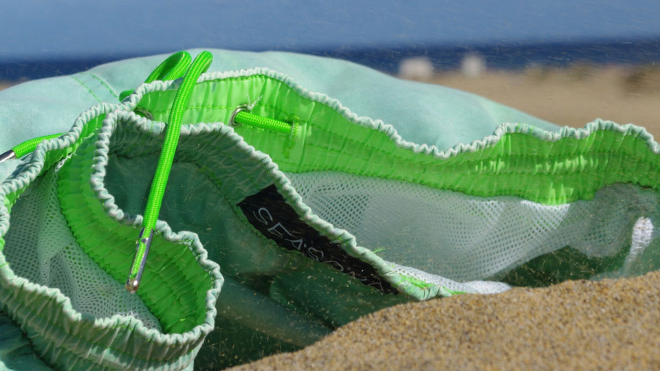 Sea'sons World's First Color-changing Swim Shorts