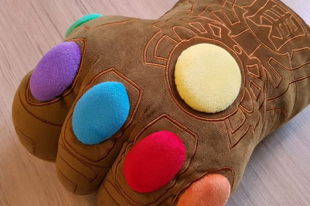 Hot Toys Cosbaby Infinity-Gauntlet Plush