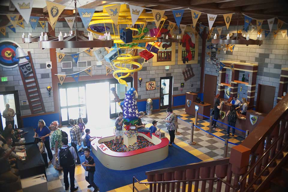 LEGOLAND Castle Hotel In California Opens For Business ...