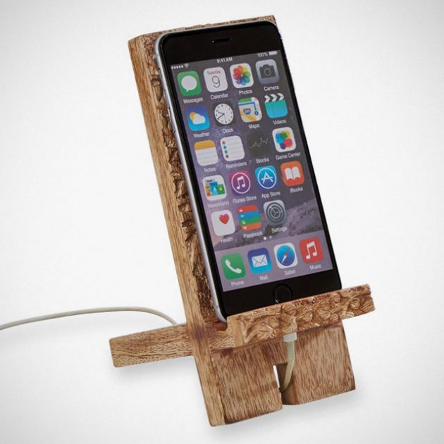 Carved Mango Wood Smartphone Stand