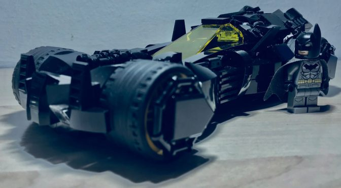 Custom LEGO Batmobile by Supermedalekdunn