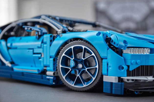 LEGO Technic Bugatti Chiron Building Set