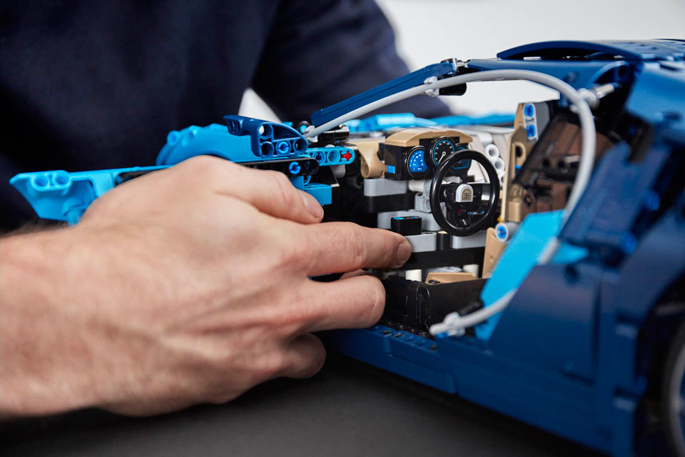 LEGO Technic Bugatti Chiron Is Official, Has Working 8-Speed