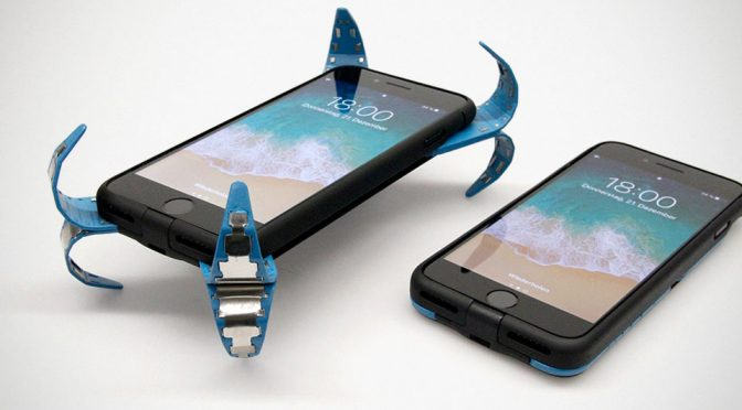 Mobile Airbag Case for Smartphone by Philip Frenzel
